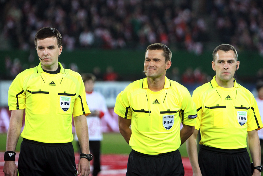 How much do soccer refs make?
