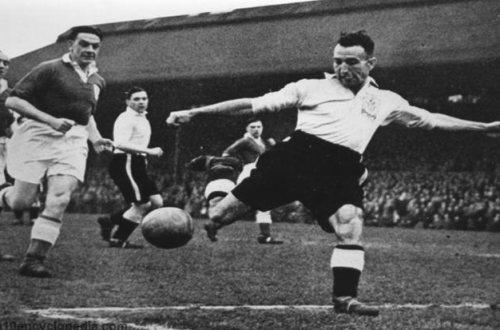 What is London's oldest professional soccer team?